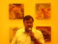 Arun Agrawal speaking at Kolkata Bloggers' meet